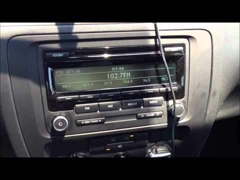 2012 Volkswagen Jetta Radio Demo - YouTube