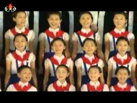 North Korean Music - Huge stage, chorus