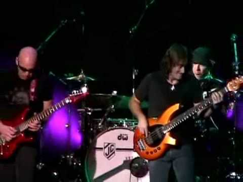 Joe Satriani - Cool#9 (Live G3 07 NYC)
