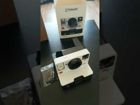 polaroid-one-step-2-out-of-the-box-review