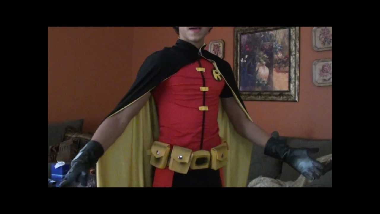 Young justice robin costume youtube young justice robin costume solutioingenieria Images