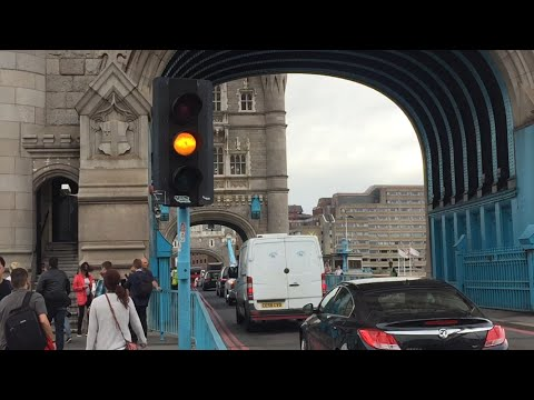 London Tower Bridge (Full Bridge Raise and Lower), Central London (11/08/2016)