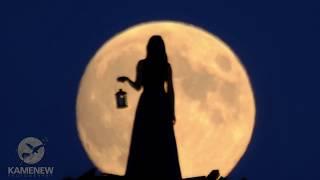Lunar Prinzess in Full Moon 4K