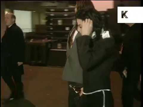 1996 Brit Awards, Michael Jackson Backstage With Award