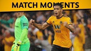 Raúl Jiménez equalises for Wolves v Everton!