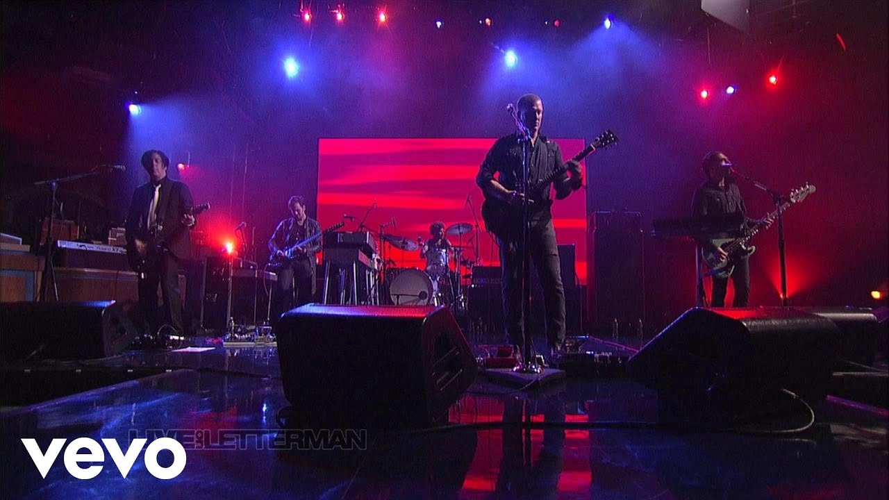i-sat-by-the-ocean-live-on-letterman-queensstoneagevevo