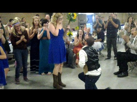 surprise-proposal-at-my-sisters-wedding!