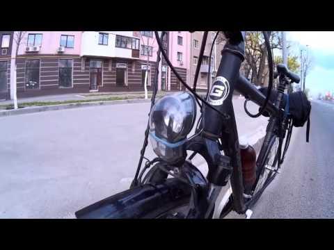 Cмотреть видео онлайн USB зарядка от генератора велосипеда, часть1.