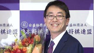 国民栄誉賞受賞が決まった将棋の羽生善治竜王・棋聖が1月5日、東京・...