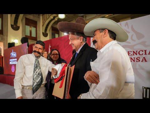 Presidente AMLO declara 2019 año de Emiliano Zapata
