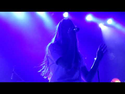 "Maggie Rogers - ""Dog Years"" (Live In Boston)"