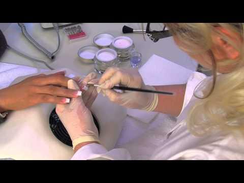 Acrylique Ongles - Nouveau Modelage en Acrylique - French Manucure | nded.fr