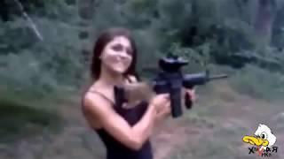 КРАСИВЫЕ И ОПАСНЫЕ/ Девушки с оружием/ Нарезка приколов Женщина и оружие/ Приколы и неудачи #1