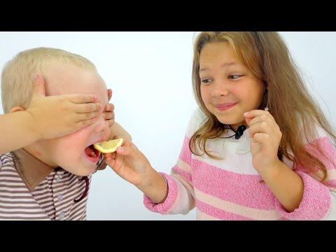 Видео для детей. Игра Угадайка: ВКУС ЕДЫ. Настя и Вова - Играем вместе!