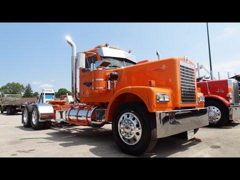 Diamond Reo Show Truck - 2015 ATHS York, PA