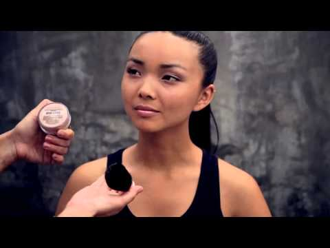 "La Bella Donna ""How To"" Loose Mineral Foundation"
