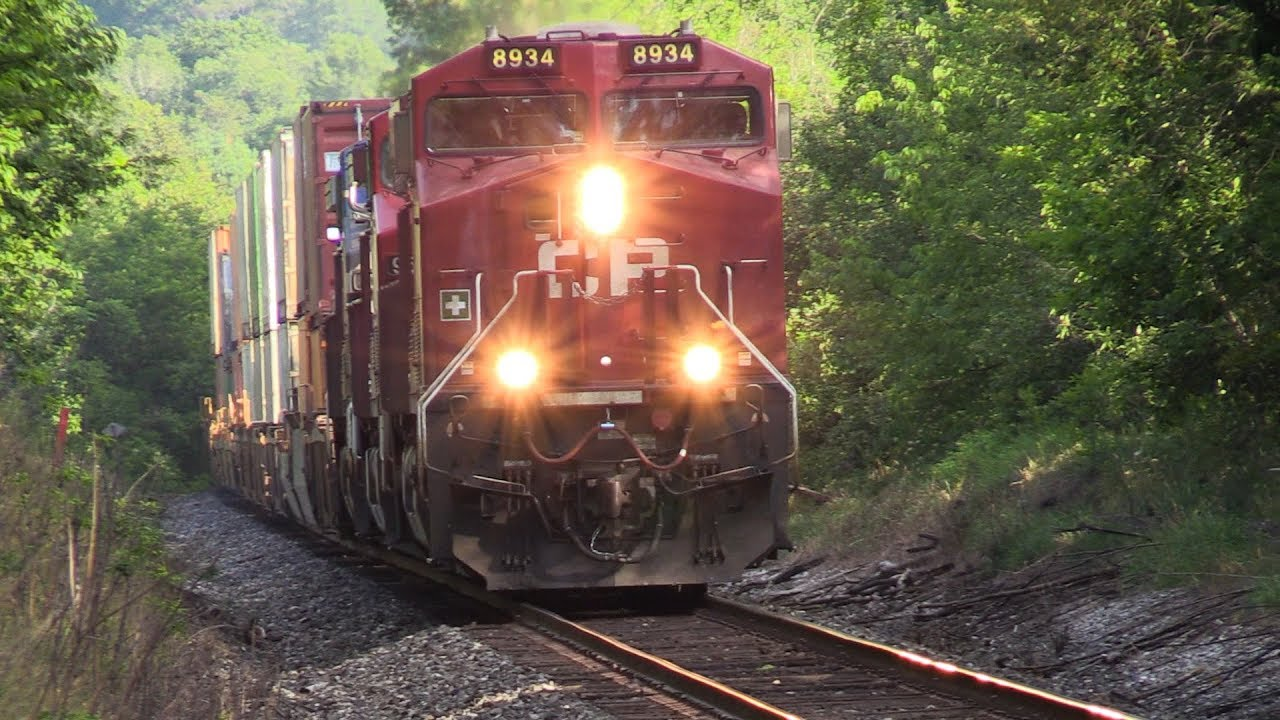 CP 8934 at Medonte (12AUG2017)