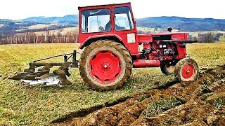 Universal 650M Tractor Ploughing | 2016