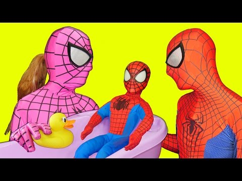 Thumbnail: Spiderbaby Bathtime with Pink Spidergirl and Spiderman in Real Life Superhero Parents