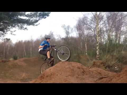 (Not so good...) Dirt Jumping