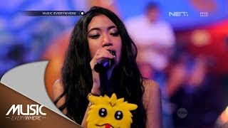 Video Vierratale - Rasa Ini (Live at Music Everywhere) * download MP3, 3GP, MP4, WEBM, AVI, FLV Maret 2018