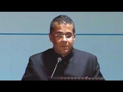 Author Chetan Bhagat's pep talk to bureaucrats