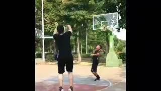 "Tik Tok CHINA   ""😂😂😂😂也有这么玩篮球的吗 • • • #篮球 #basket #funny #viral # #tiktok #tiktokap"