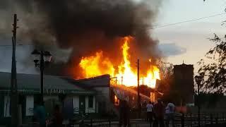 В Жанибеке горел магазин