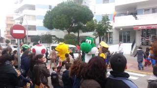 Típico, vas paseando por tu pueblo y te encuentras ... a Mario ... WTF ?? XDDD