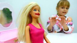 Делаем макияж для Барби. Приключения Барби - Мультики для девочек