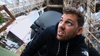Cache-cache à la Tour Eiffel