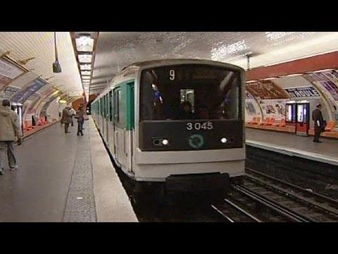 Evacuación masiva en el metro de París