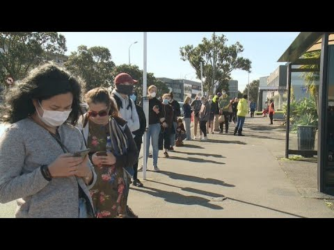 Auckland's return to Level 3 lockdown creates long queues at testing stations, supermarkets