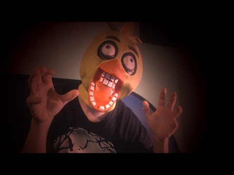 REAL LIFE FNAF CHICA! || CHICA MASK! || CHICA MASK REVIEW!