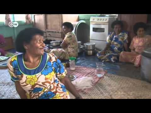 Working Together - Fiji's women lend their men a hand | Global 3000
