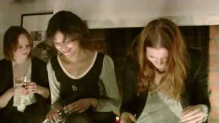 Icona Pop - Paris (Friendly Fires cover) Live at Teknologgatan