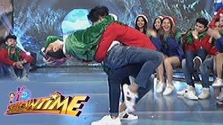 Repeat youtube video It's Showtime: Vice Ganda & Hashtag Nikko's intimate dance