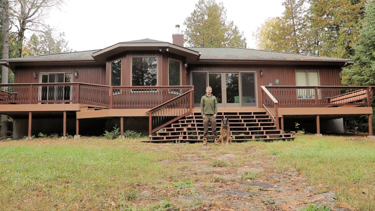 Joe Robinet house in Canada