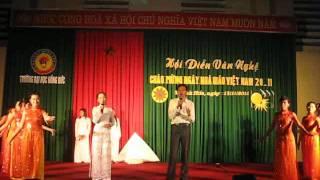Khi tóc thầy bạc trắng (Trần Đức). Biểu diễn: Quang Độ & SV K11 ĐHMN