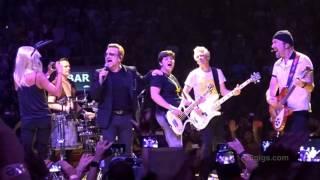 U2 Barcelona Desire w/ Penélope Cruz 2015-10-10 - U2gigs.com