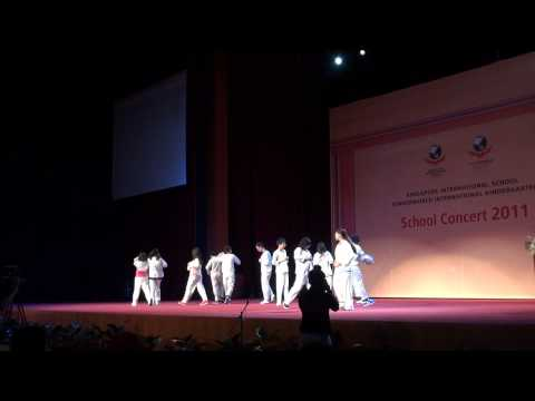 8A - Dance Mix [SIS End of Year Concert 2010 - 2011]