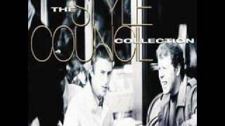 Watch Style Council A Stones Throw Away video