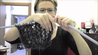 Repeat youtube video Πλεξιμο κασκολ με τρυπες!