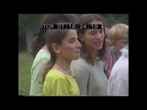 Entertaining children in Kosovo 1999