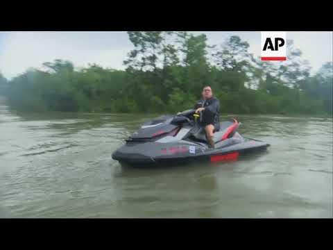 Volunteer Boats Aid Houston Rescue Efforts