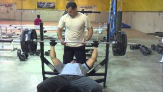 200 kg Bench press