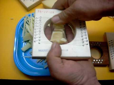 Il taglio del formaggio alla julienne e a fette taglia for Taglio alla julienne