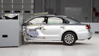 2016 Volkswagen Passat small overlap IIHS crash test