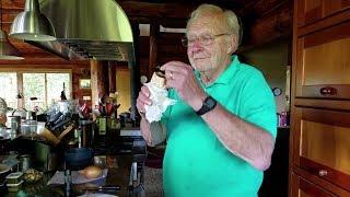 Lần đầu tiên hai bác GERY ăn bánh mỳ thịt nướng, thăm lại vườn bác hàng xóm