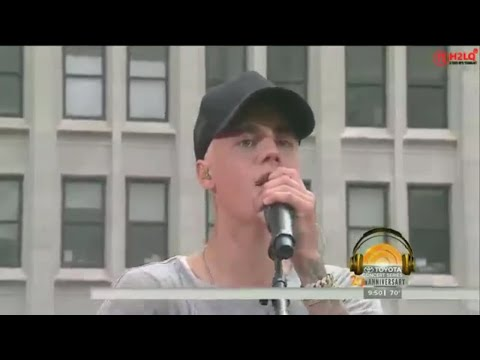 Justin Bieber - Full Performance - Live at Today Show.